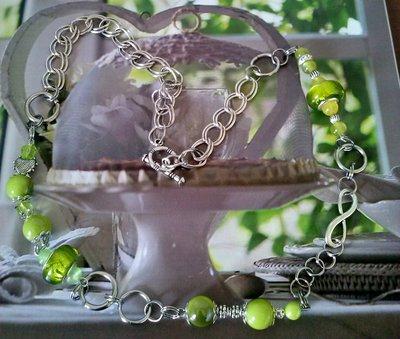 Collana a doppie maglie con  perle lucide e vetro  verdi - PEZZO UNICO