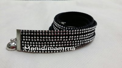 bracciale modello alcantara nero con borchie color argento