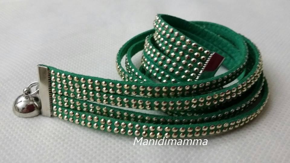 bracciale modello alcantara verde con borchie color oro