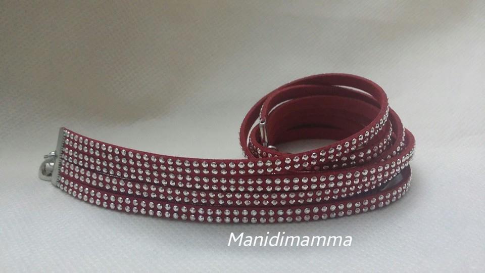bracciale modello alcantara rosso scuro con borchie color argento