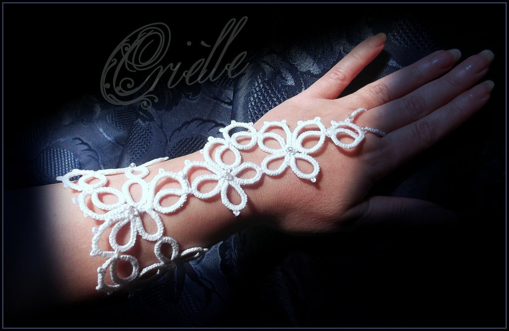 """Bracciale da schiava (Slave Bracelet) gotico/dark in pizzo bianco """"Fortuna"""""""