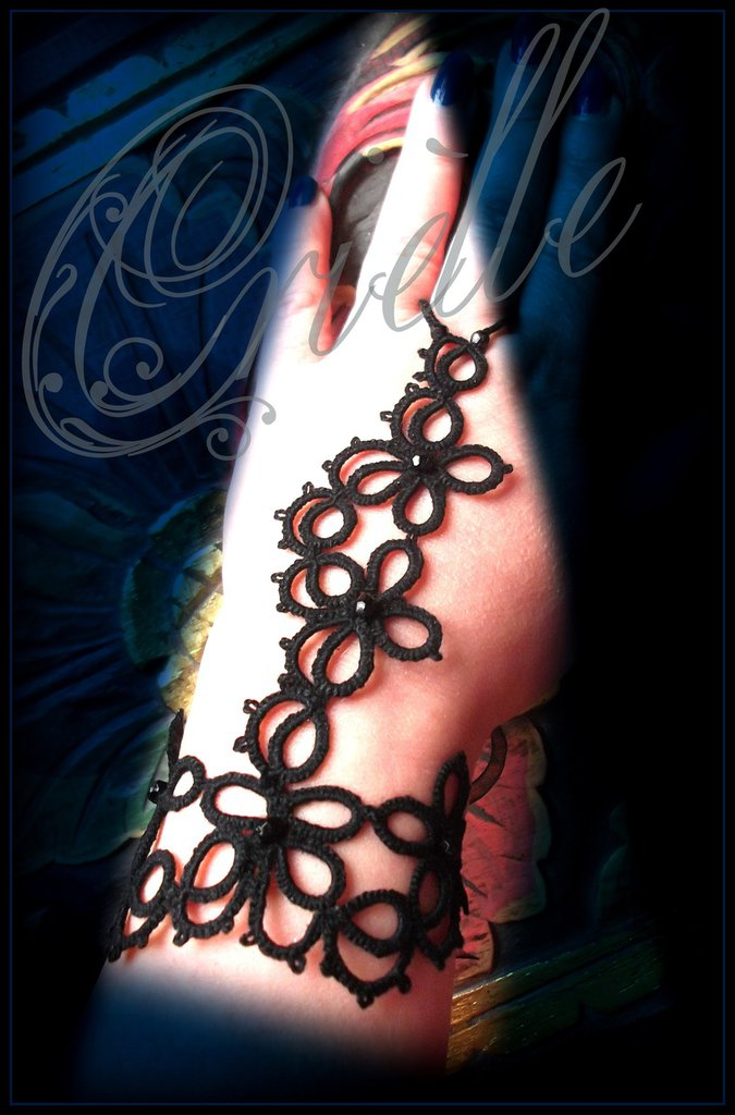 """Bracciale da schiava (Slave Bracelet) gotico/dark in pizzo nero """"Fortuna"""""""