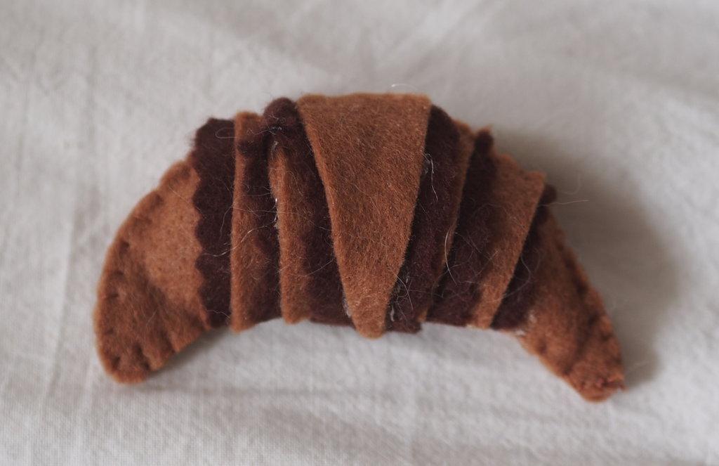 croissant con cioccoato fondente