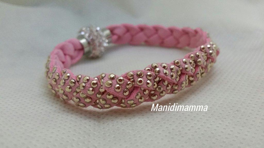 bracciale a treccia in alcantara rosa con borchie color oro