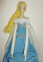 Elsa, bambola di stoffa