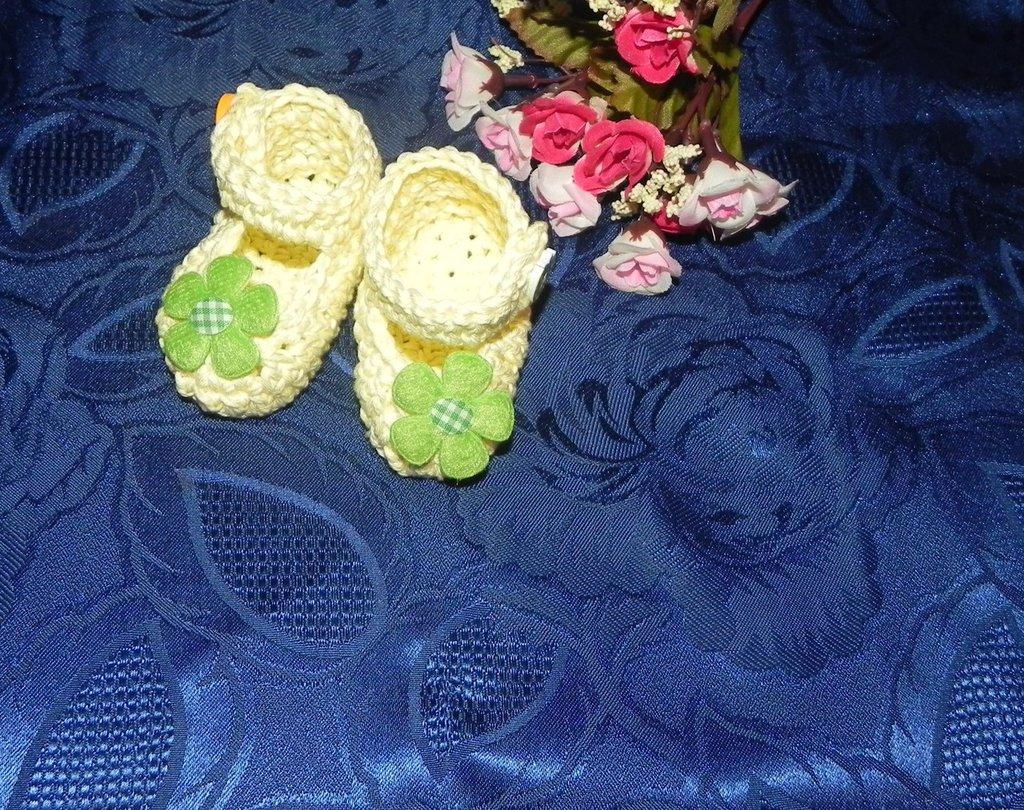 SCARPETTE SCARPINE bebè FATTE A MANO cotone 100% giallo