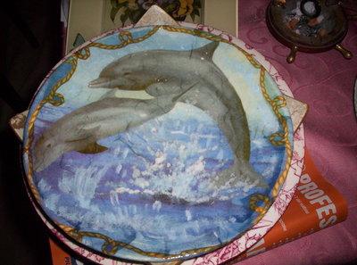piatto terracotta con delfini