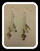 orecchini con chiave di violino e croma