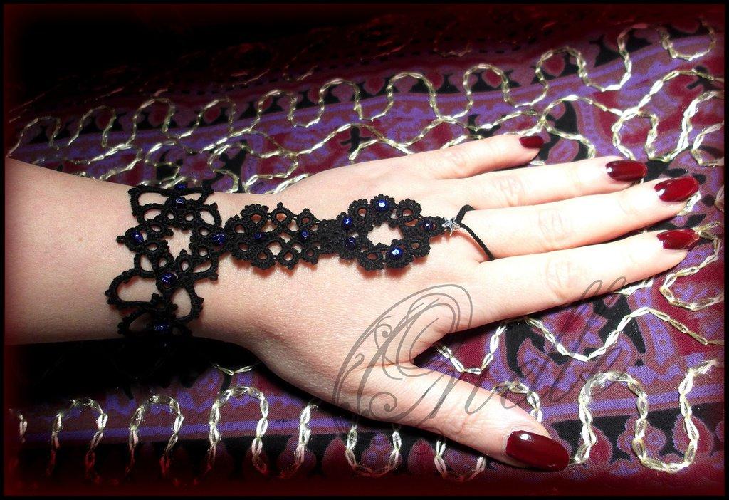 """Bracciale da schiava (Slave Bracelet) gotico/dark in pizzo nero """"Igea"""""""