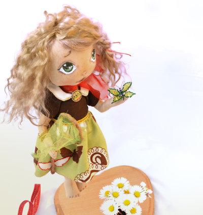 Bambola di stoffa da collezione - Ode è una farfalla