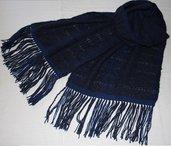 Sciarpa blu in lana mohair lavorata a telaio