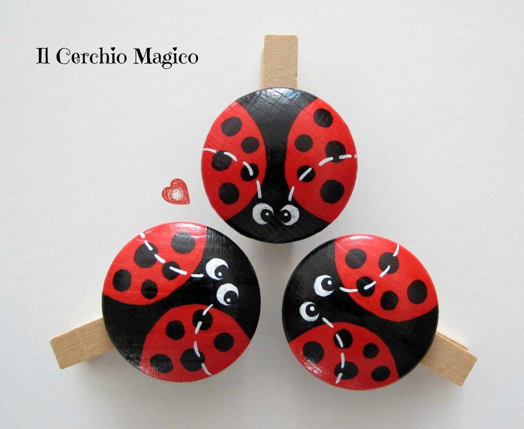 Mollette chiudipacco in legno dipinte a mano con coccinella