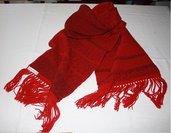 Sciarpa in lana rossa melange lavorata a telaio