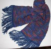 Sciarpa/stola in lana fatta a telaio