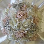 Bouquet di spille davvero unico