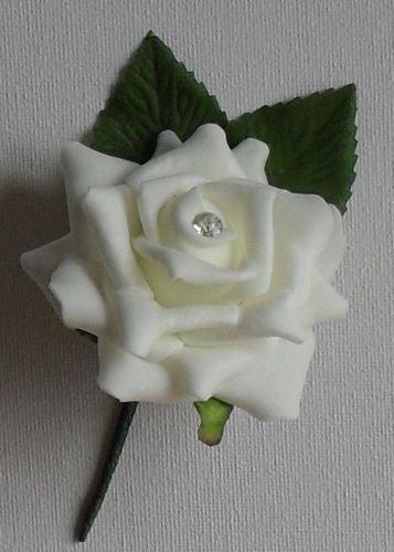 Bottoniere per bouquet gioiello davvero unico in diversi colori e materiali