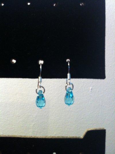 *Orecchini pendenti con Cristalli di Swarovski*