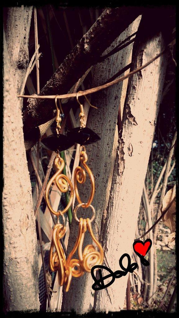 orecchini lampadario con cristallo nero
