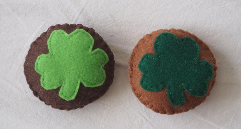 2 Biscotti I LOVE IRELAND.Porta fortuna.Gioco.Oggetto da collezionare.Verde speranza