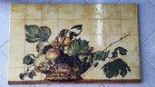 pannello in maiolica dipinto a mano, riproduzione 'canestra di frutta' di Caravaggio