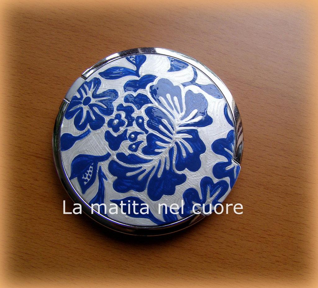 Specchio da borsa con portafoto fiori azzurri dipinto a mano