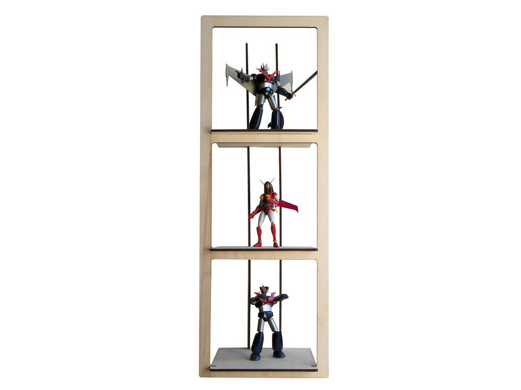 Six, un po' scaffale di legno, un po' vetrina