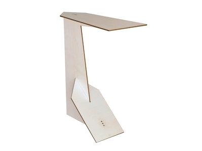 Futka, tavolo a C in legno per divano