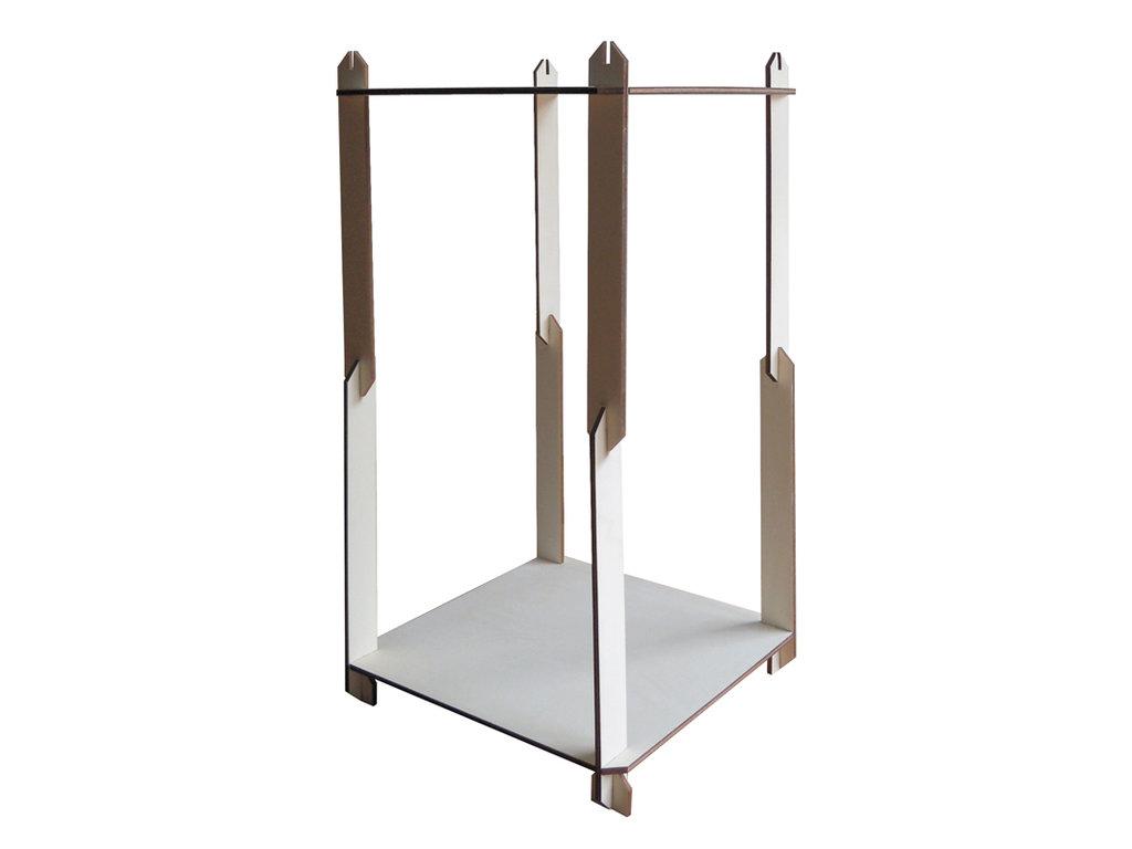Uhn, scaffale in legno modulabile tridimensionalmente