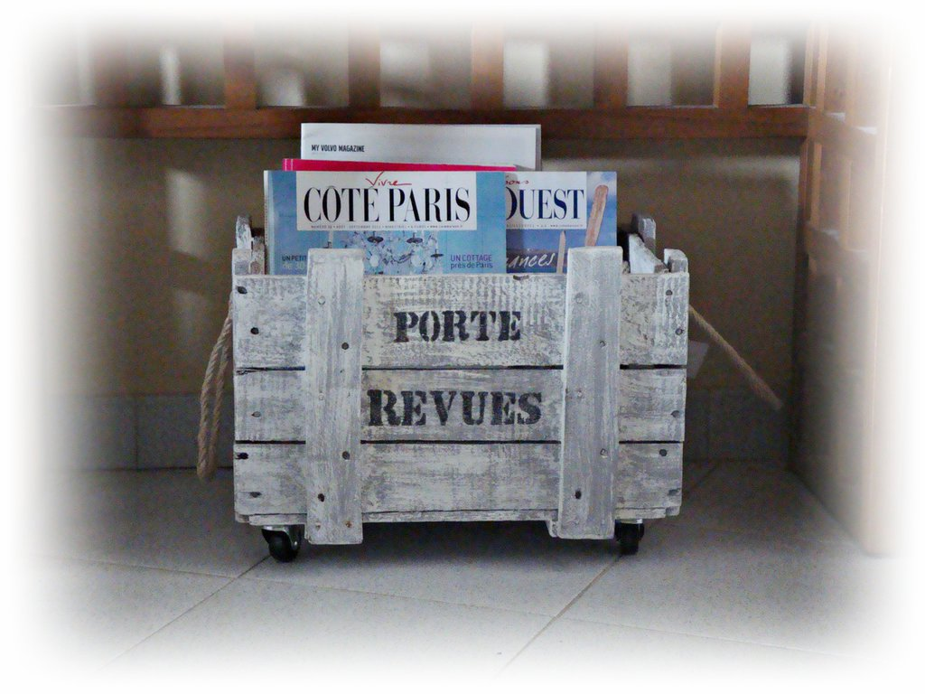CASSETTA porta riviste di recupero