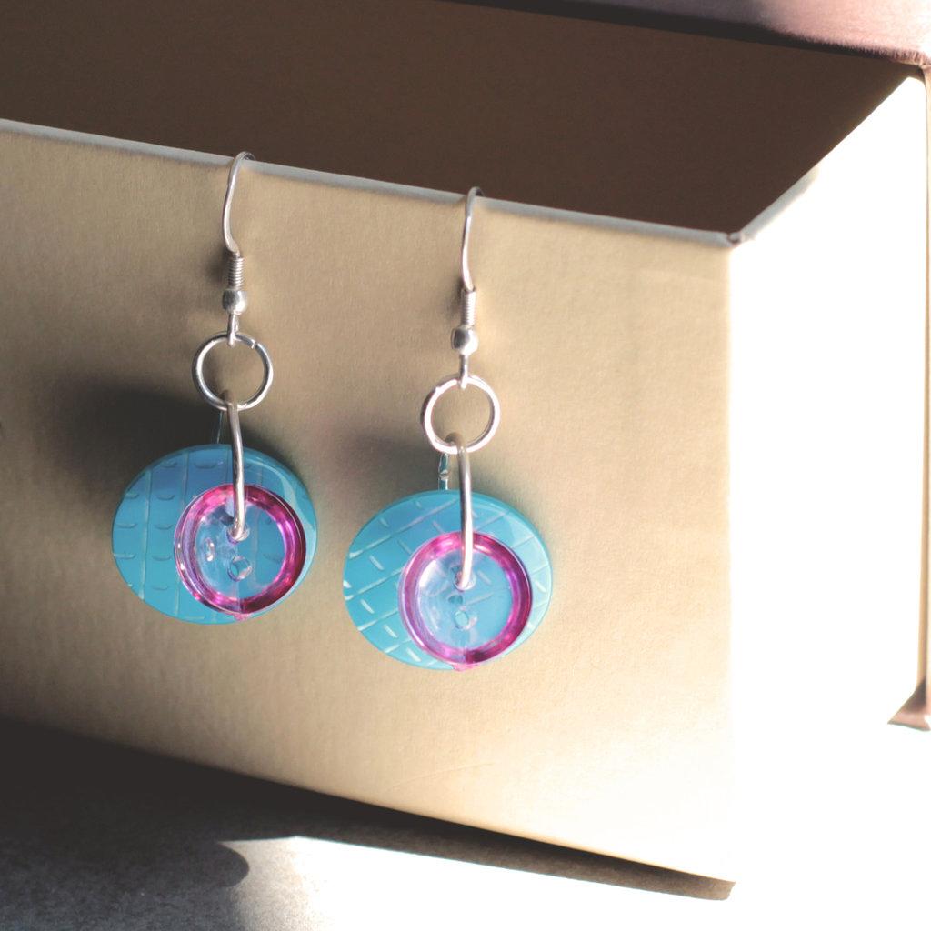 O4.15 - orecchini pendenti turchesi con bottoni - Linea Flower Power