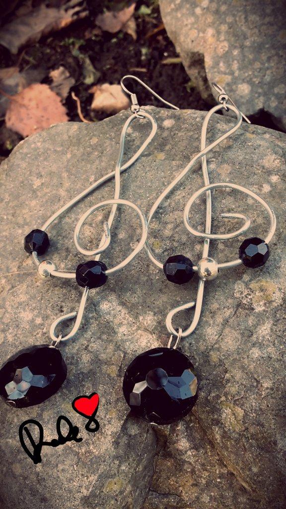 orecchini  a forma di chiave di violino