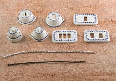 54 placche copri interruttori o prese in ceramica per la for Placche prese elettriche