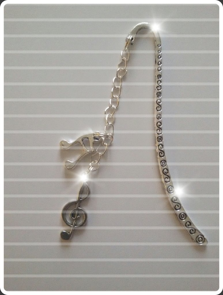 segnalibro con chiave di violino e croma