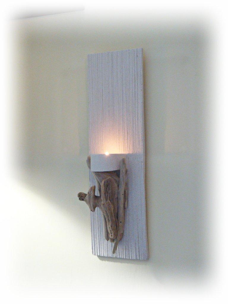 Porta candela da muro con legni di mare