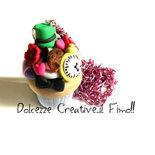 Collana Cupcake Alice nel paese delle meraviglie - Cappellaio matto, stregatto, rose, cookie, fiocco