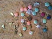 lotto clip portaciuccio in pronta consegna +lettere,perle mix  in legno+cordoncini