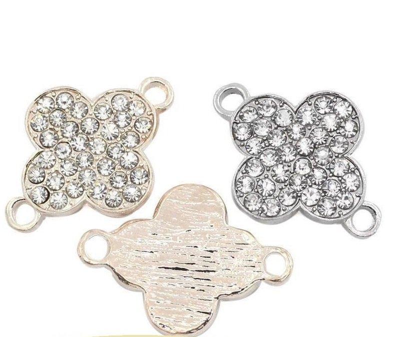 2 connettori, pendenti a fiore con strass  2,7x1,9 cm