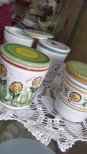 Tisaniera in ceramica dipinta a mano