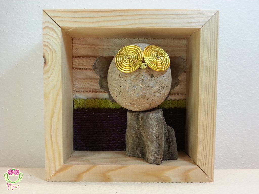 """Pebble art - Decorazione per camerette dei bambini - Owl wall art - Quadro 3d """"Gufone rosa sul tronco di un'albero"""""""