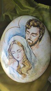 Sacra famiglia su ovale in ceramica dipinto a mano