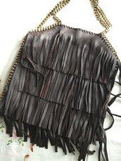 borse in pelle fatte rigorosamente a mano, possibilità di scegliere il colore