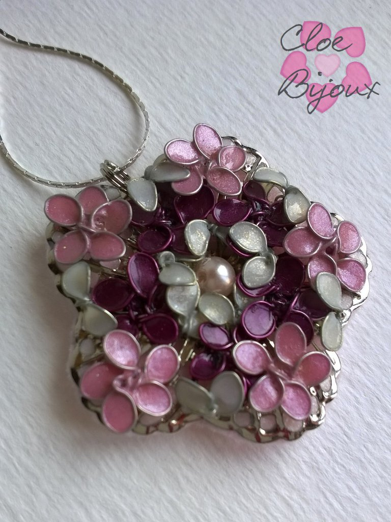 Collana fiori smalto rosa