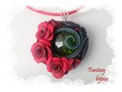"""Collana con ciondolo """"Primavera"""" di rose rosse in fimo fatto a mano"""