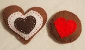 2 biscotti in feltro.Amore per i CUORI-