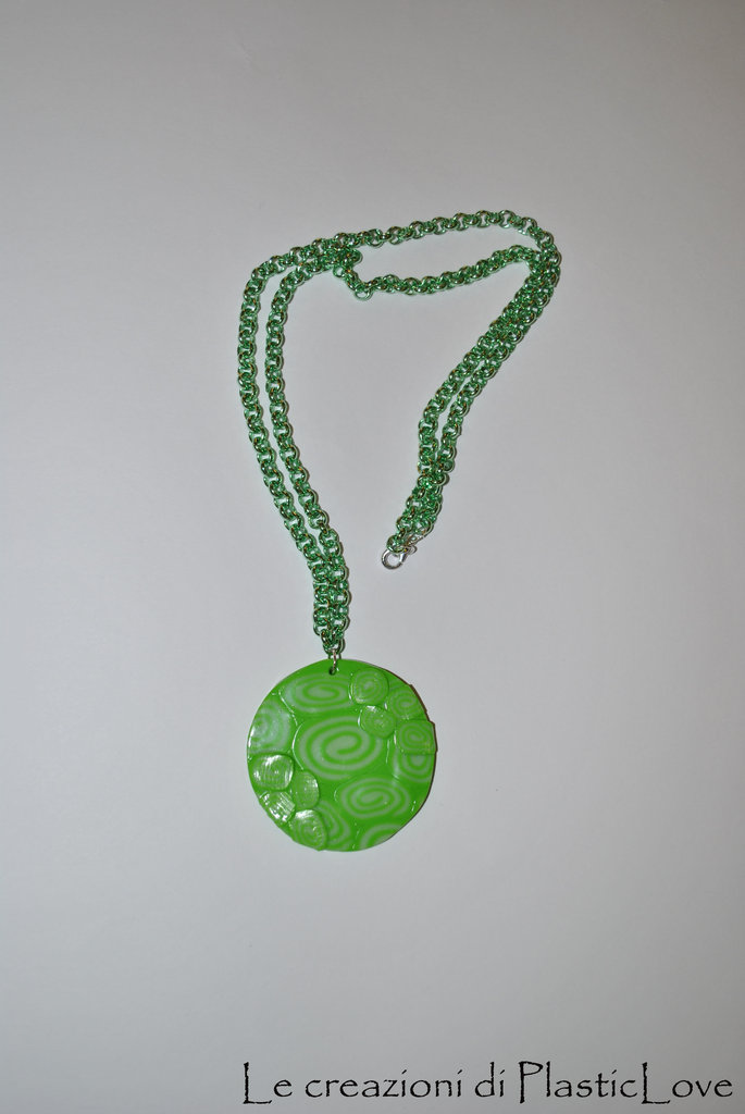 collana con medaglione a spirale modello 1
