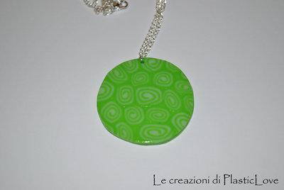 collana con medaglione a spirale modello 2