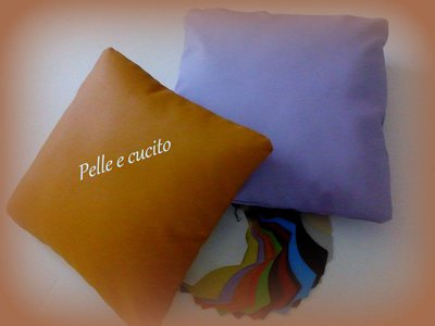 Cuscini in similpelle 40cm