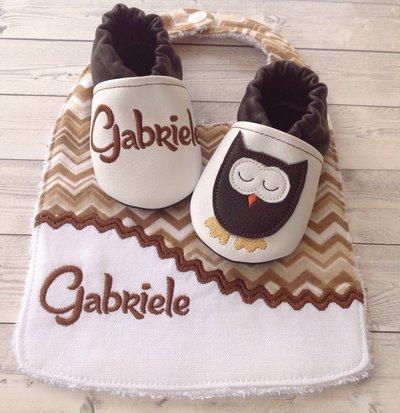 Bavaglia e scarpine personalizzate con nome -  bambino 3-6 mesi