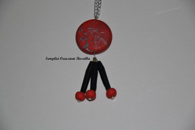 collana perla in fimo e ciondoli capsule nespresso nere - fimo rosso sfumato argento e ciondoli neri