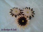 Fiore in feltro chiudipacco tonalità marrone
